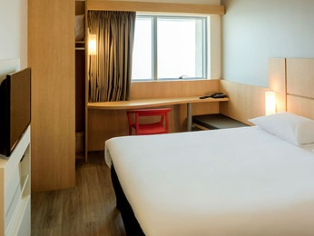 Hotel Ibis Caratgena Habitación