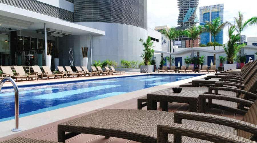 PANAMA piscina pool 01 tcm49 66313 900x500 - Oferta Panamá Playa y Ciudad · Hoteles RIU · Con vuelos