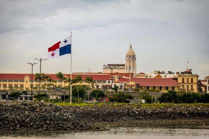 Canva Casco Viejo And Panama Flag Panama City Panama - Panamá: Ciudad Y Playa | Viajes O Paquetes Todo Incluido