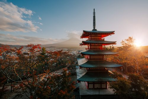 Canva Chureito Pagoda at Fuji Mountain. Beautiful Japanese Landmarks a 500x333 - Japón Esencial- 7 Días