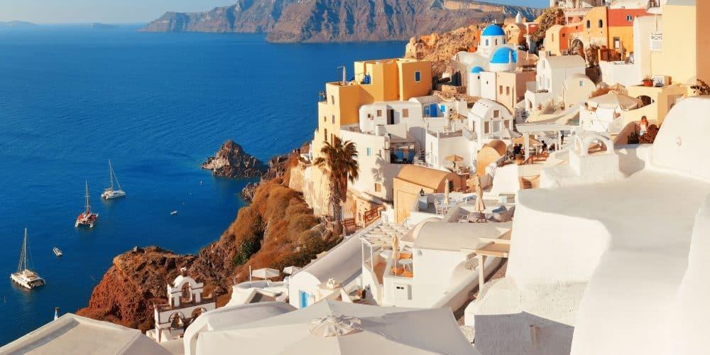 Canva Santorini Skyline in Greece 1000x500 - Leyendas de Turquía & Grecia con Crucero- 13 Días