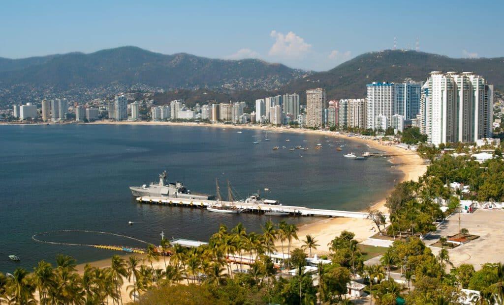 Canva Acapulco Mexico 1200x728 - Qué ver y hacer en México