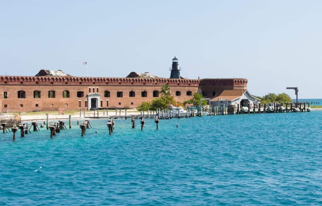 Canva Fort Jefferson Dock - Lo Mejor Del Sur De La Florida