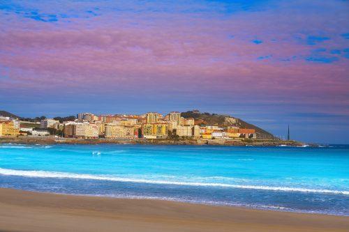 Canva La Coruna Riazor Beach in Galicia Spain 500x333 - Norte de España 8 Días / 7 Noches