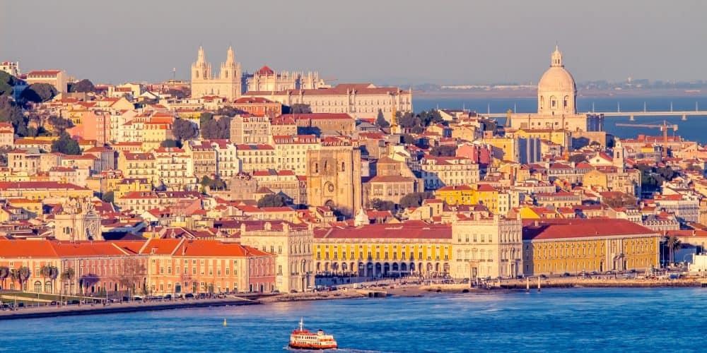 Canva Lisboa - Norte De España Y Portugal 12 Días/ 11 Noches