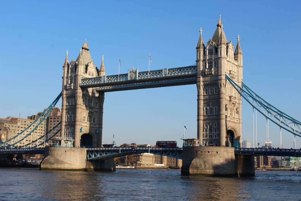 Canva Londres 1200x800