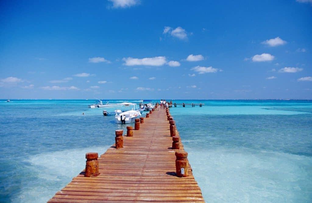 Canva Pier in Cancun Mexico 1200x780 - Cancún, México - Algo para todos.