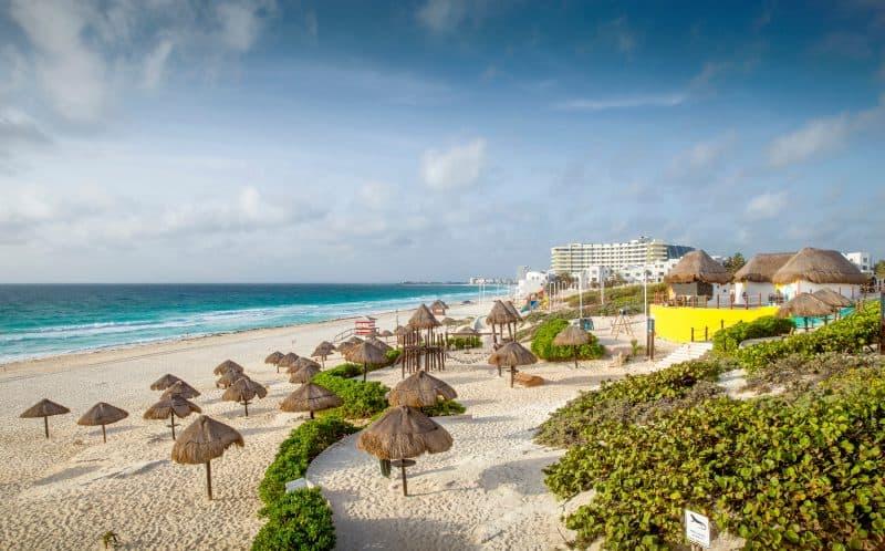 Canva Sandy Beach In Cancun - México: Cancún Y Riviera Maya | Viajes Y Paquetes 2021