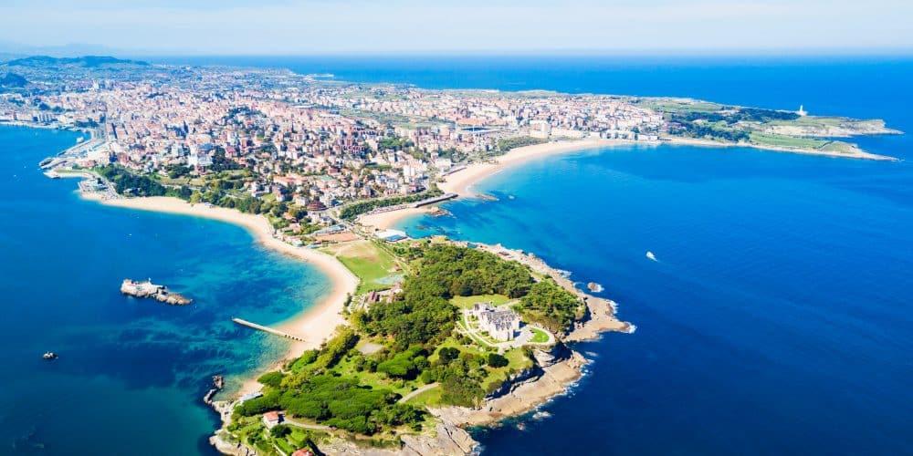 Canva Santander City Aerial View Spain 1000x500 - Norte de España desde Barcelona 8 Días / 7 Noches