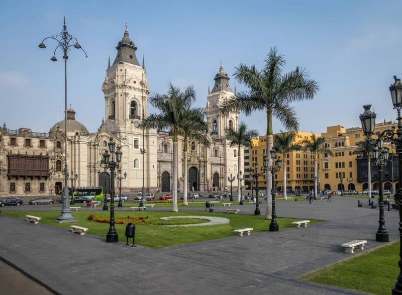 Canva The Basilica Cathedral Of Lima At Plaza Mayor Lima Peru 2 Min - Viajes A Perú Y Machu Picchu | Tours Y Paquetes