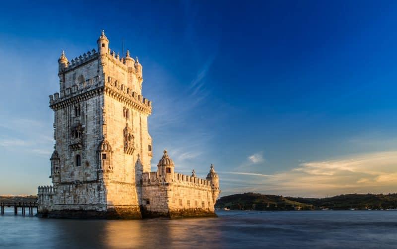 Canva Tower Of Belem Lisbon - Viajes Por Europa: Los Mejores 2021 - 2022