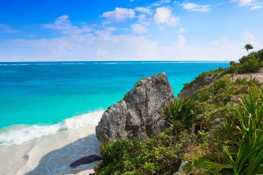 Canva Tulum Turquoise Beach Palm Tree in Riviera Maya at Mayan 1200x800 - Riviera Maya, México - ¿Por qué es tan popular?