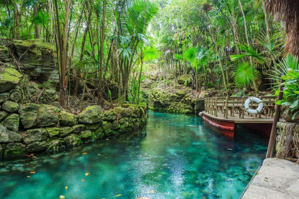 Canva Blue river in Xcaret Mexico 1200x800 - Xcaret, todo lo que necesitas saber.