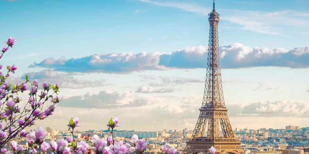 Canva Eiffel Tour and Paris Cityscape 1000x500 - Navidades en Europa  17 días / 16 noches