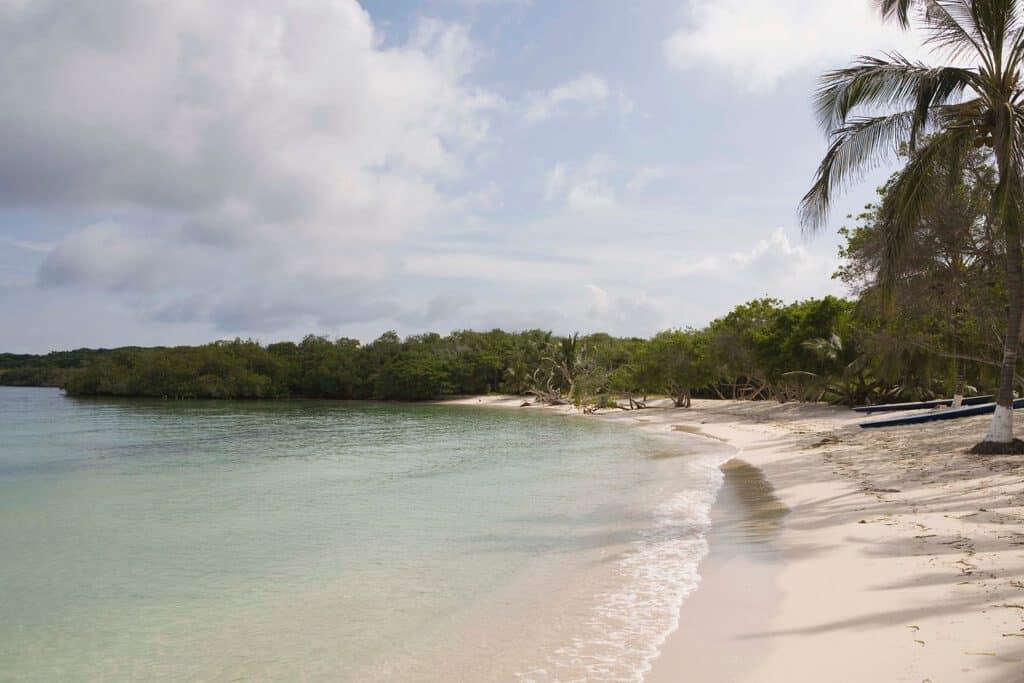 Canva Tropical Seashore Islas Del Rosario Colombia - Islas Del Rosario: Viajes Y Ofertas