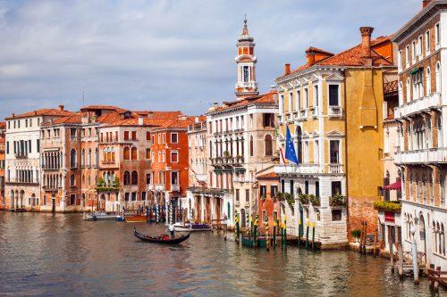 Canva Venice Building at Sunset Time 500x333 - NAVIDADES EN EUROPA 17 DIAS / 16 NOCHES