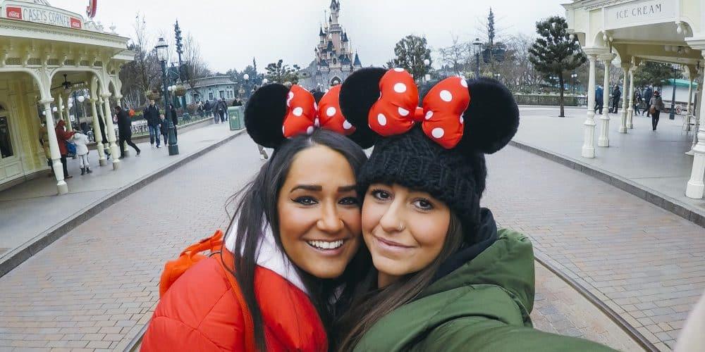 USA DISNEY Girls At Disneyland Paris T20 BEXrwx Min E1579811155931 1000x500