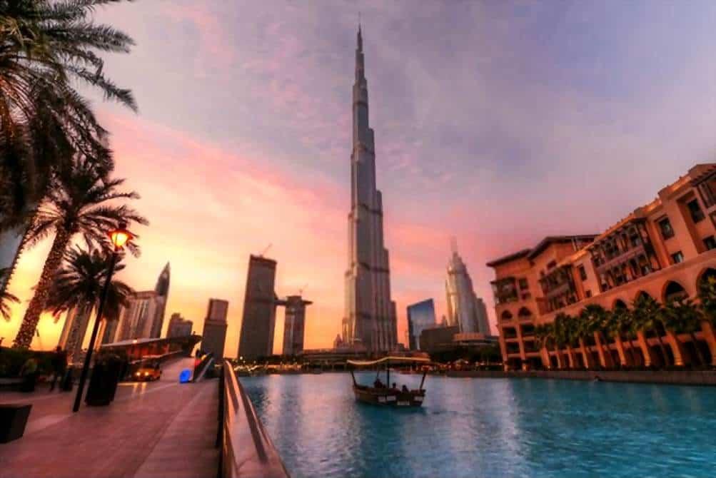 Burj Khalifa hotel - Lugares turísticos de Dubai - Emiratos Arabes