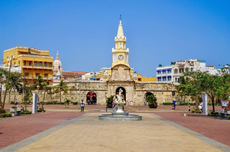 Cartagena Clock Tower At The Main Entrance Min - Cartagena: Planes O Paquetes 2021