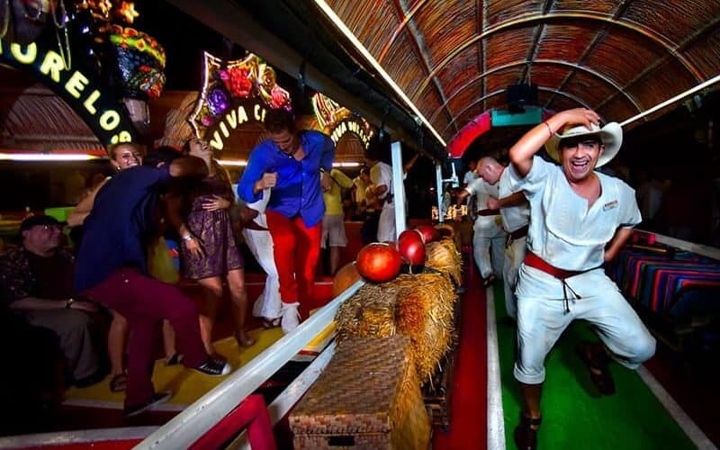 Xcaret Xoximilco Bailes Y Fiesta Min - Cancún 3 Días | Paquete Xoximilco + Xcaret Plus + Xichén Clásico - Todo Incluido Con Alimentación Y Transportes