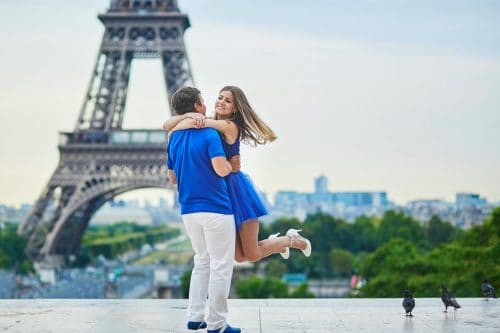 Canva Beautiful Young Couple In Paris 2 Min - Viajes Por Europa: Los Mejores 2021 - 2022