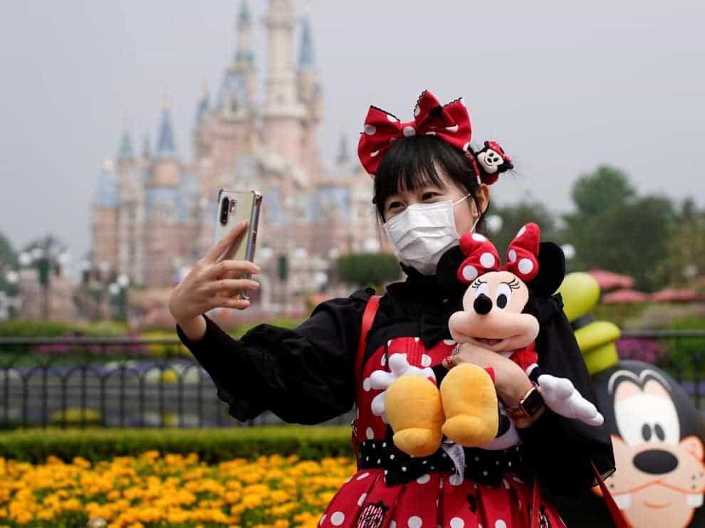 Visitante - China Reabre La Ciudad Prohibida Y Otras Atracciones Turísticas