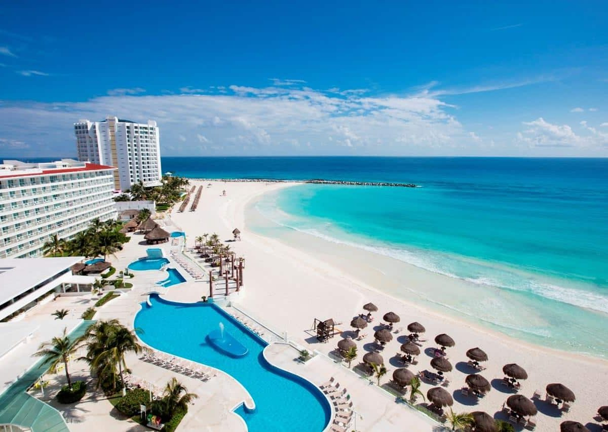 Krystal Cancun Hotel & Resort - Cancun tu descanzo en el hotel ideal. Disfruta de tiempo de calidad y confort. ¡Reserva Ya! con planesturisticos.com