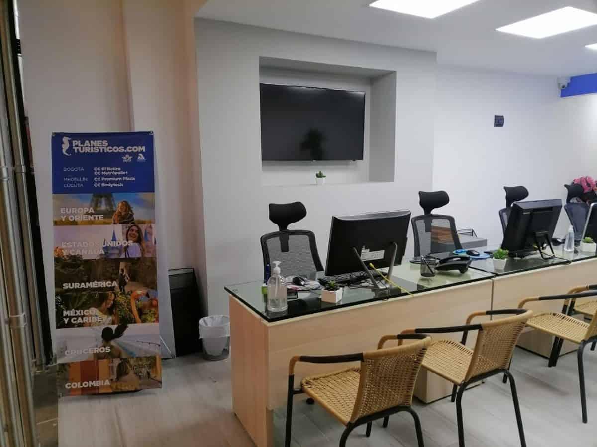 Oficina Agencia De Viajes Planesturisticos.com Metropolis Local 151 - La Empresa