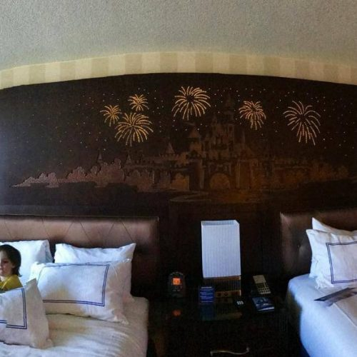 DISNEY-resort-hotels-min