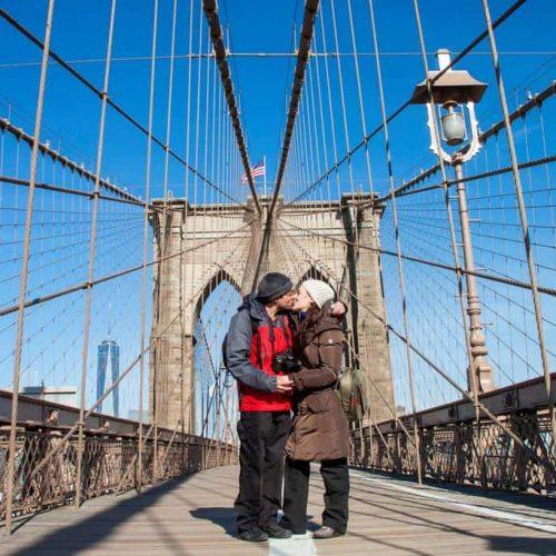USA-NY-brooklyns-kiss-min